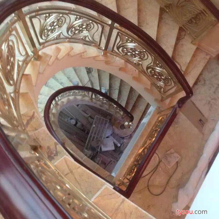 卡罗玛的旋转楼梯,展现艺术之美