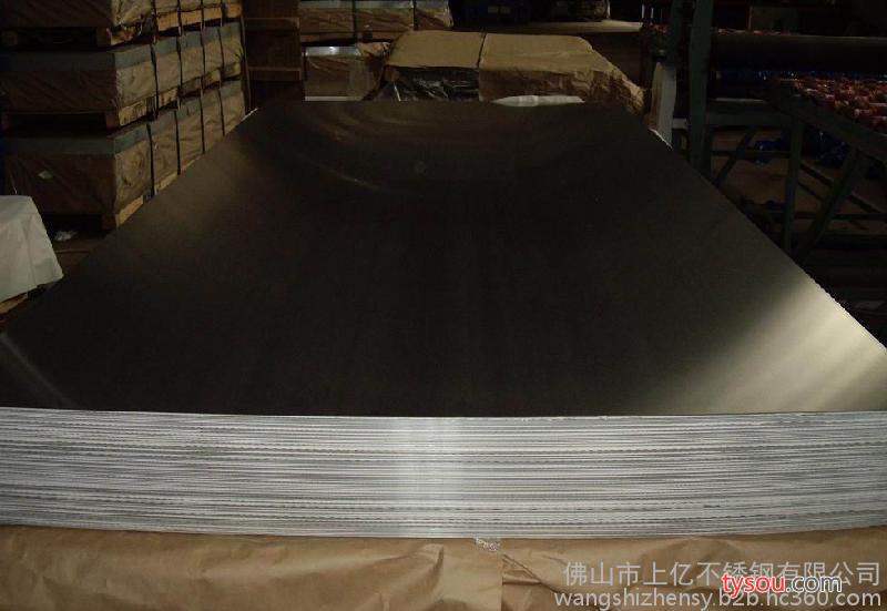 供应304不锈钢1220*2440拉丝板