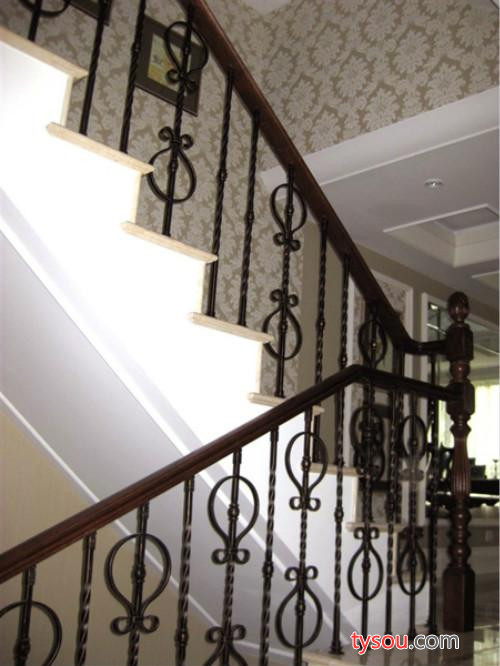 兆飞铁艺  专业设计 楼梯