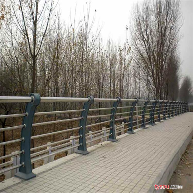 【恒特】宿州不锈钢复合管护栏 公路桥梁景观护栏 河道护栏厂家直销 交通护栏