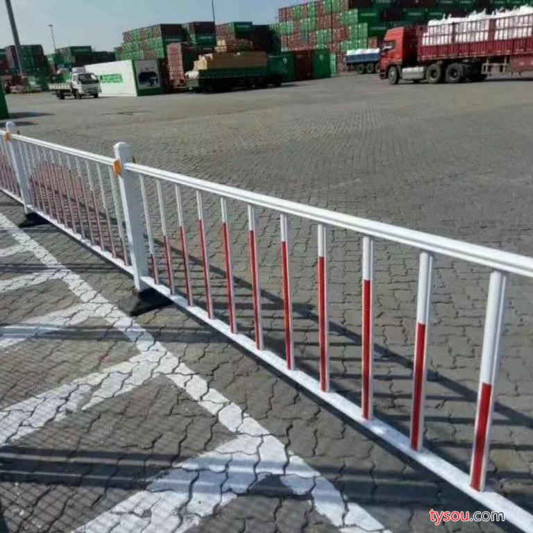 DZH 道路护栏价格 公路隔离栏 桥梁栏杆  道路隔离栏 公路护栏