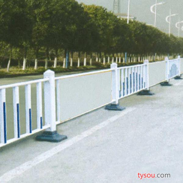 山东胜通 道路护栏优质道路护栏批发道路护栏厂家