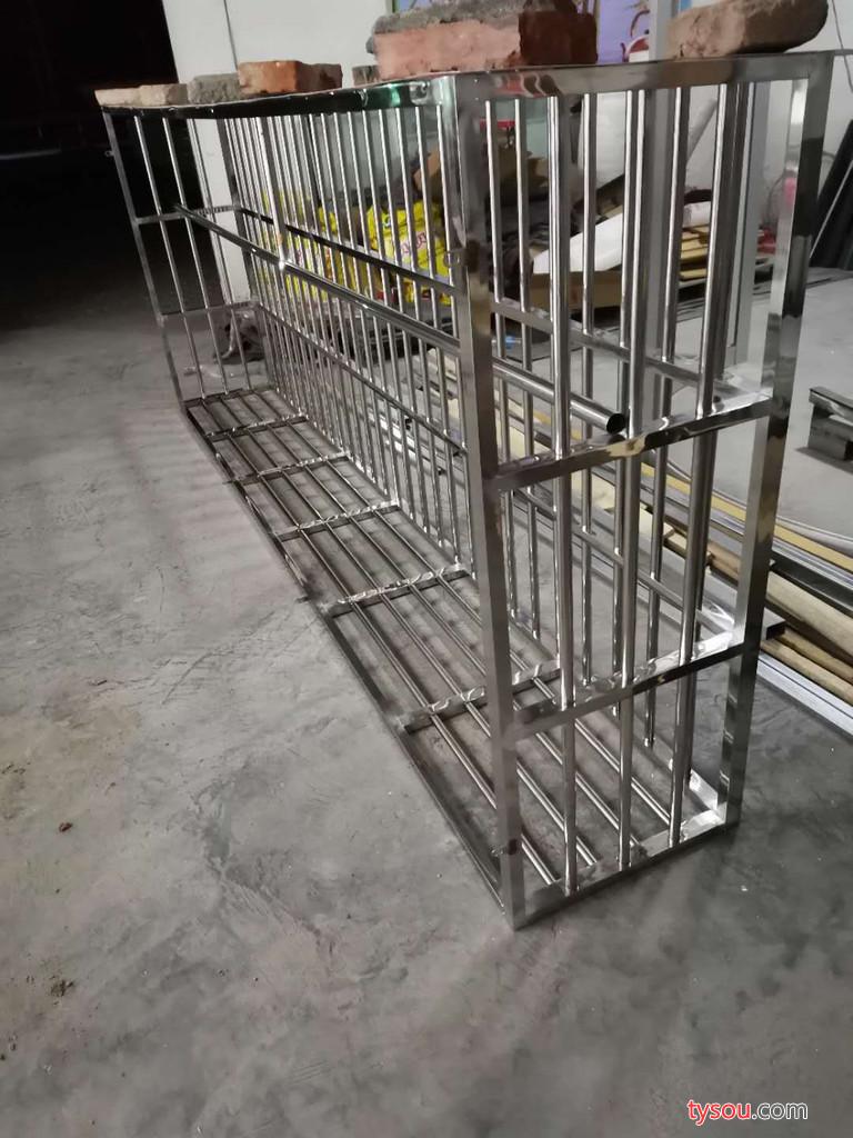 扬州不锈钢防盗窗厂家_安全护窗定制_选金巧匠门业